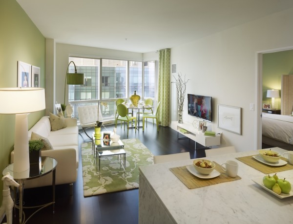 how to do the best usage of the green color on a living room design How to Do the Best Usage of the Green Color on a Living Room Design how to do the best usage of green color on your living room design 01 1 600x460
