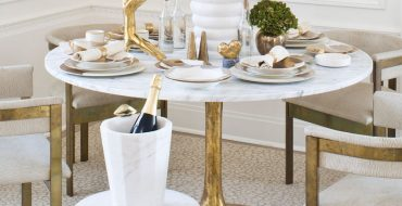 modern dining tables Top 25 of Amazing Modern Dining Tables Decorating Ideas to Inspire You Amazing Modern Dining Table Decorating Ideas to Inspire You4 370x190