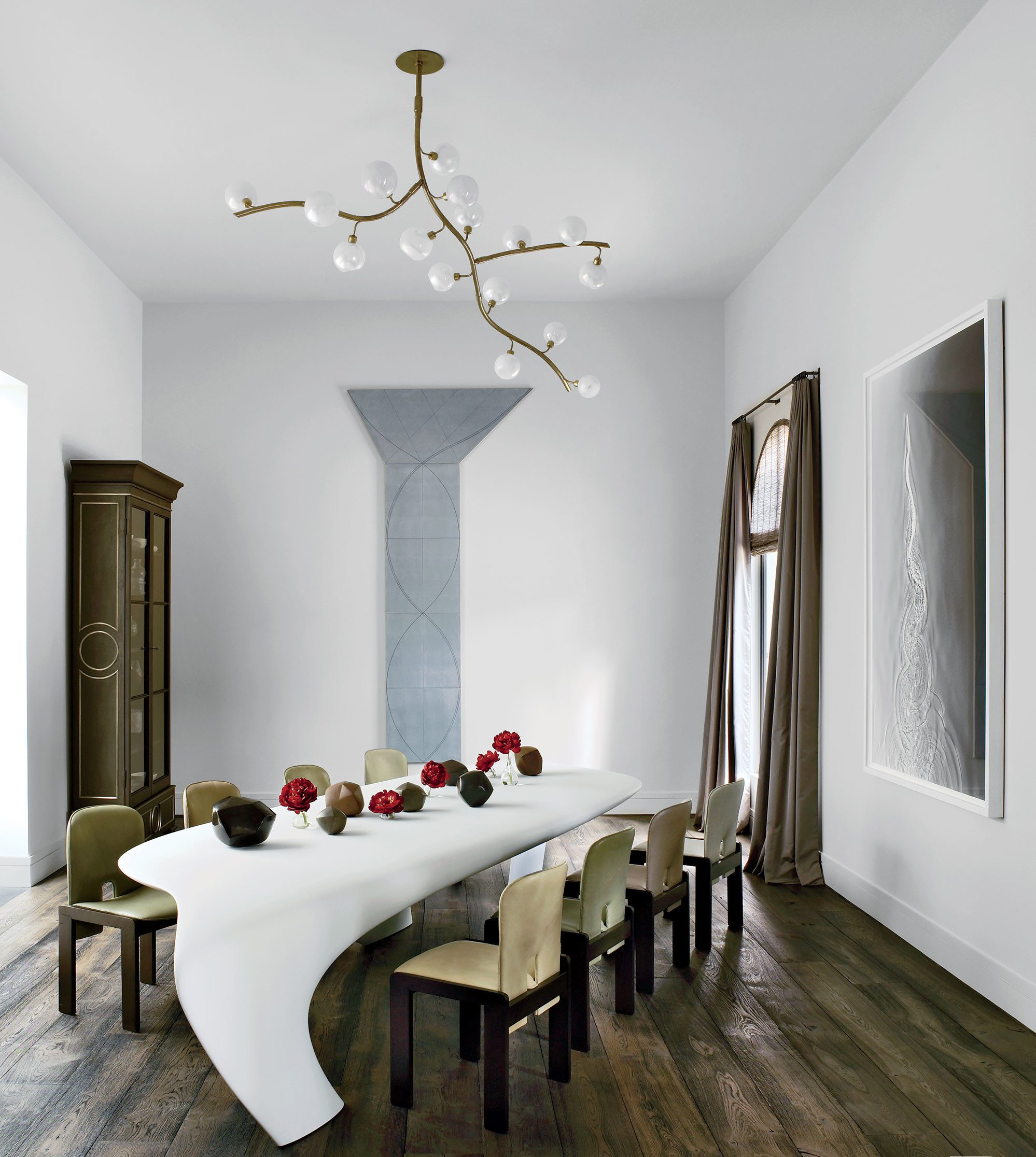 Take A Look At The Best Furniture Pieces For Your Dining