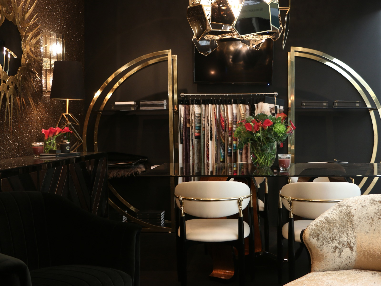 How to Get a Modern Home with a Black Luxury Interior Design