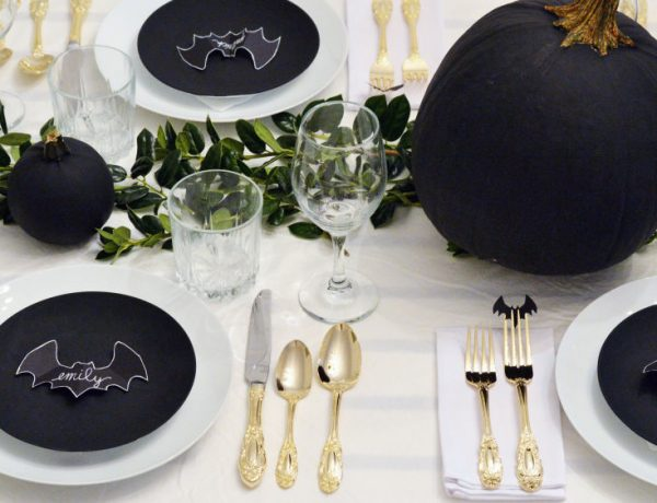 Dining Tables Décor for Halloween The Best Dining Tables Décor for Halloween The Best Dining Tables D  cor for Halloween2 600x460