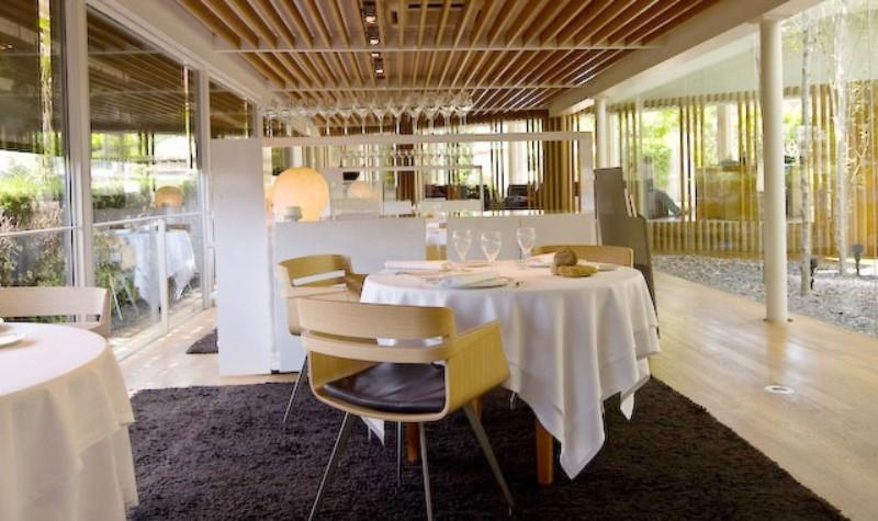 Modern Restaurant Interior Design Ideas That Impress Everyone interior design ideas Modern Restaurant Interior Design Ideas That Impress Everyone Modern Restaurant Interior Design Ideas 1 1