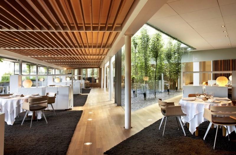 Modern Restaurant Interior Design Ideas That Impress Everyone interior design ideas Modern Restaurant Interior Design Ideas That Impress Everyone Modern Restaurant Interior Design Ideas 1