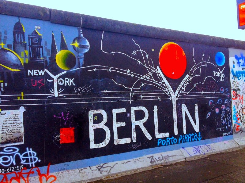 berlin Berlin And Design: Places To Be East Side Gallery Berlin 800x600  Dining and Living Room East Side Gallery Berlin 800x600